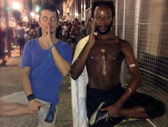 Karnevalskostüm beim Karneval in Rio – Walk like an Egyptian – Martin Krengel – Autor