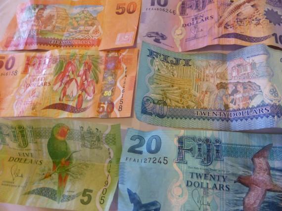 Beim Weltreisen bekommt man mitunter so schönes Geld in die Hände, dass man es gar nicht mehr aussgeben möchte