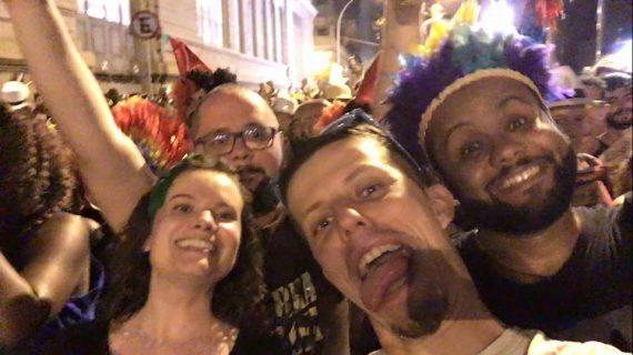 Am Tag 3 sind wir natürlich frisch und munter auf dem Karneval in Rio de Janeiro